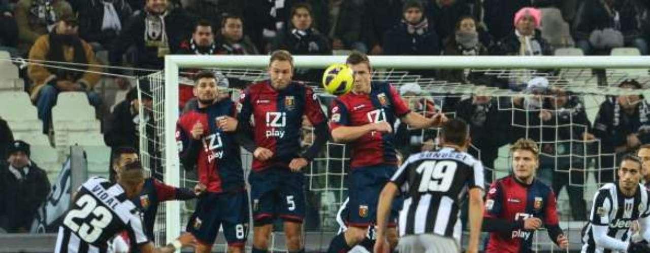 Juventus no pudo en casa y cedió un empate (1-1) ante el Génova.