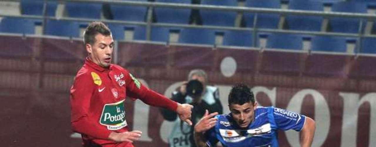 Troyes no cede camino en su lucha sotanera, y respondió a la victoria del Nancy, con un triunfo 2-1 sobre el Brest.