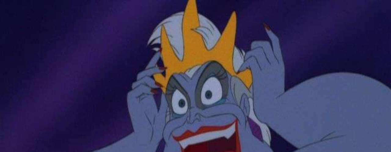 'La Sirenita' significó la entrada a una nueva edad dorada para Disney, una nueva ola de adaptaciones fabulosas de clásicos de la literatura infantil. En 1989 la veterana actriz Pat Carrol dio vida a Ursula, la bruja del mar que se convierte en el monstruo más despiadado de los mares.