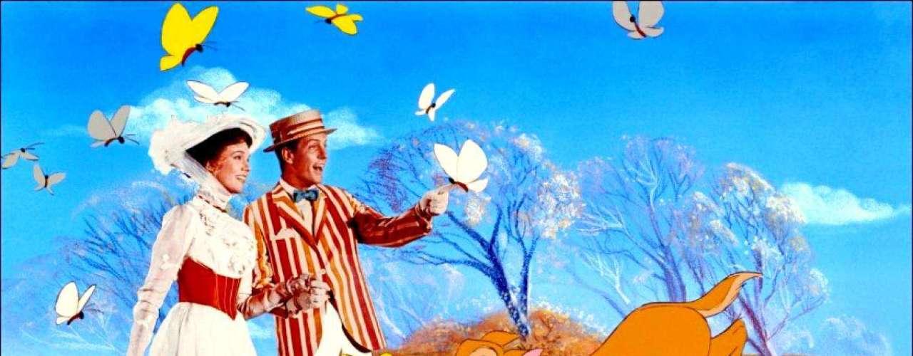 Walt Disney estrenó en 1964 uno de sus proyectos más ambiciosos, la adaptación a la pantalla de la serie de libros de P.L. Travers, 'Mary Poppins'. El resultado fue una explosión mágica de personajes animados, grandes actuaciones y canciones memorables. Julie Andrews y Dick Van Dyke le dieron vida a una leyenda: 'Supercalifragilisticexpialidocious'.