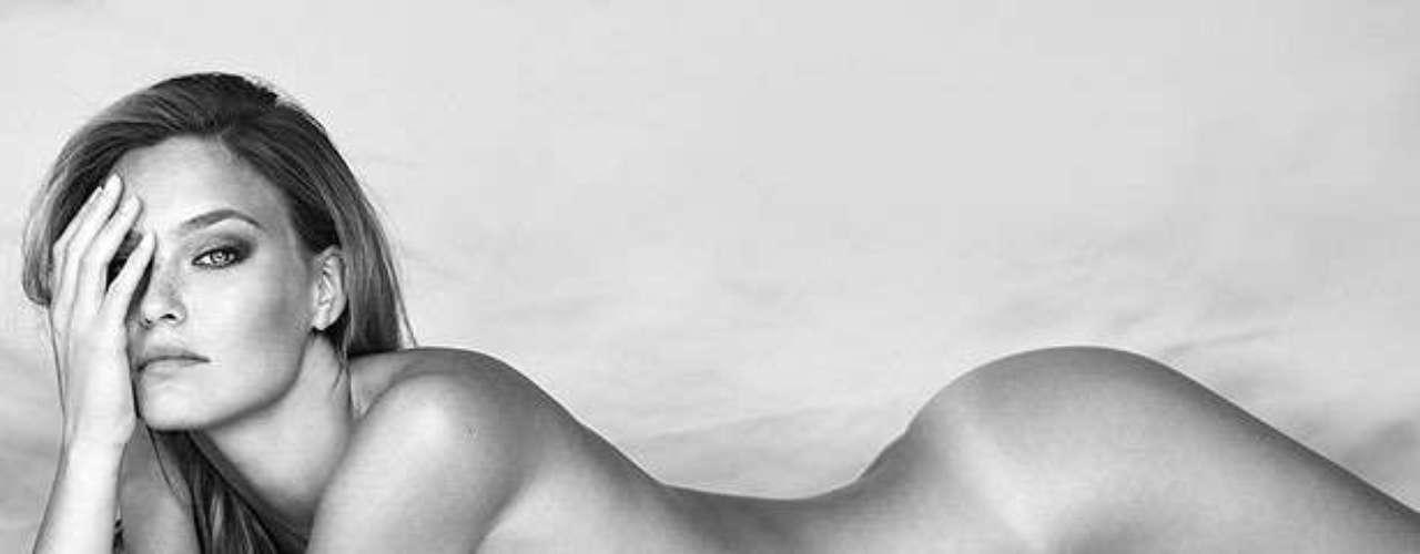 Bar Refaeli. La israelí no se encuentra entre las mejor pagadas pero sin duda su cuenta bancaria tiene variosmiles de dólares producto de sus desnudos para revistas como Maxim. La modelo también se ha quitado la ropa para promocionar su línea de lencería Underme.