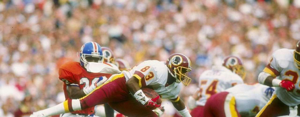 Super Bowl XXII: The Washington Redskins dominated the Denver Broncos 42-10. The Washington Redskins scored 35 oints with rookie Timmy Smith running for 204 yards in the second quarter.