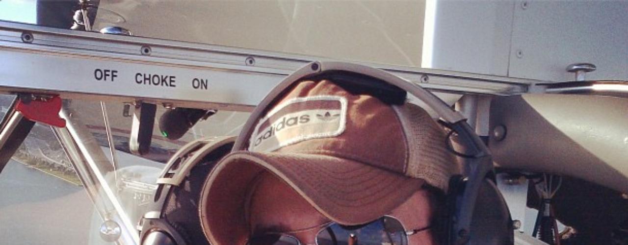 Aficiones que no podemos llevar a cabo muchos pero que Enrique Iglesias se puede permitir. Con su Instagram nos da un poco de envidia subido por las alturas...