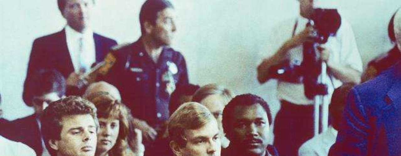 In July 1991, Dahmer brought victim Tracy Edwards to his apartment but the victim escaped and alerted police. In his apartment they found body parts of other victims and it is believed he killed 17 persons. He was killed in the psychiatric ward of a prison in 1994 by another patient.