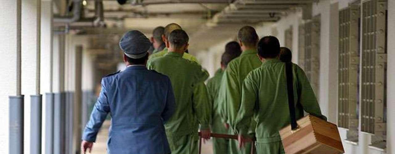 Aunque Japón tiene una tasa de condena de más del 99%, en los últimos meses ha habido protestas por una serie de arrestos injustos en los que los sospechosos han confesado ser culpables de crímenes que no cometieron. \