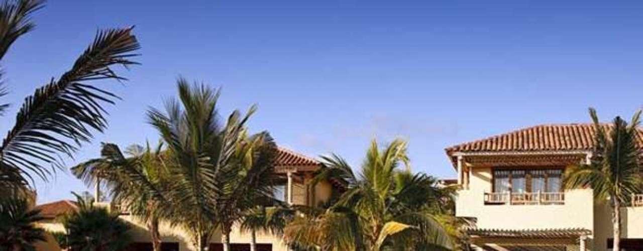 Además, cerca del establecimiento están las paradisíacas Islas Marietas.