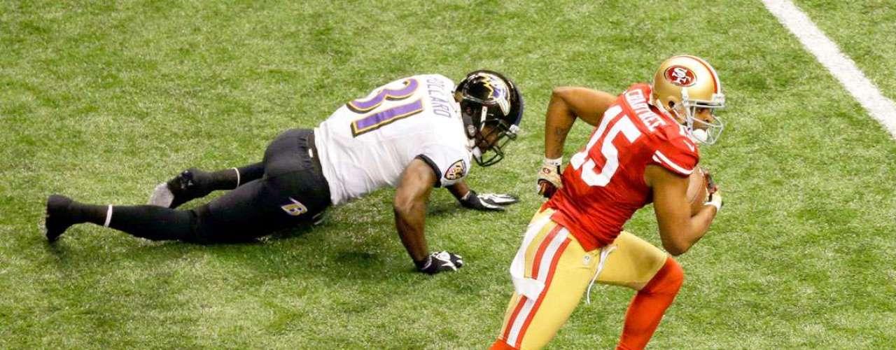 En un histórico tercer cuarto, los Cuervos de Baltimore pegaron primero con regreso de anotación de 108 yardas de Jacoby Jones, pero tras un apagón de más de 30 minutos, los 49ers de San Francisco iniciaron una remontada de 17 puntos para poner el marcador 28-23 en el Super Bowl XLVII.