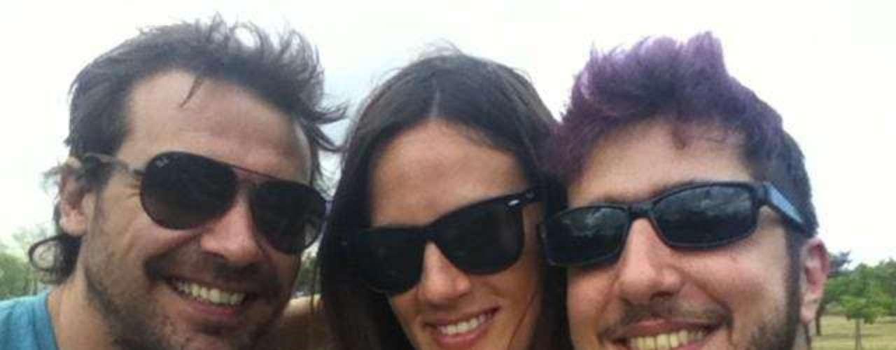 Paula Chaves, con su novio y Jay Mammon