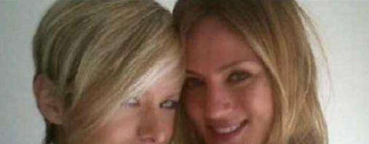 Paula Chaves (der.), junto a su amiga Jazmín de Gracia, fallecida hace un año.