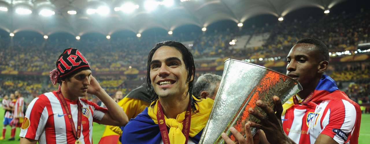 He has already conquered 2 titles with Atletico, winning the Europa League and becoming the top striker of that tournament for the second straight year. He became the first player in Europa Leeague (or UEFA Cup) to be the top scorer in consecutive seasons and the first one to score in two consecutive finals. Atletico also won the European Super Cup beating Chelsea 4-0 with a hat trick of Falcao, which he did it in the first half.