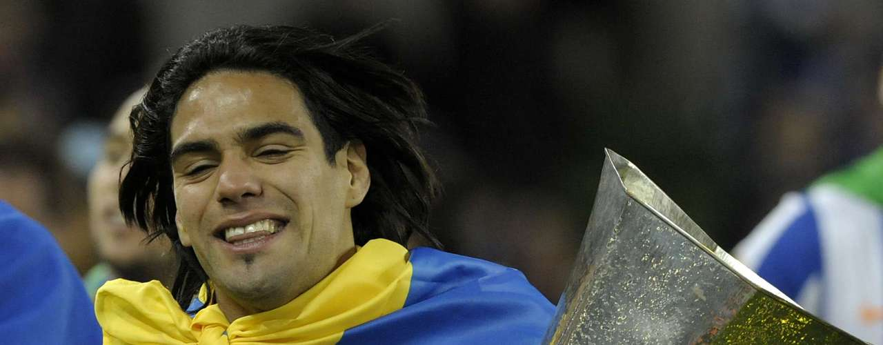 With the Portuguese club, Falcao won 1 league title (2011), 2 Portuguese Cups (2010 and 2011), three Super Cups (2009, 10 and 11) 11). He scored 73 goals in 84 matches in all competitions.