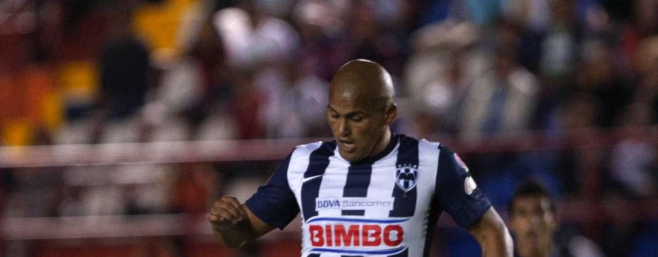 Humberto Suazo es el jugador más técnico y explosivo de Monterrey.