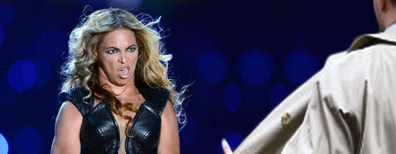 ¿Qué tal si la cara de Beyoncé es la respuesta a las insinuaciones de un exhibicionista? ¿Es cara de asco, de sorpresa o de simple horror?