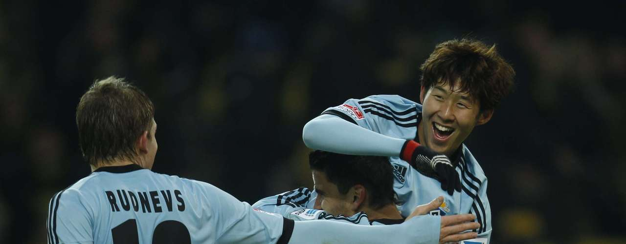 Hamburger SV's Heung Min Son and Artoms Rudnevs (L)  after Min Son goal.
