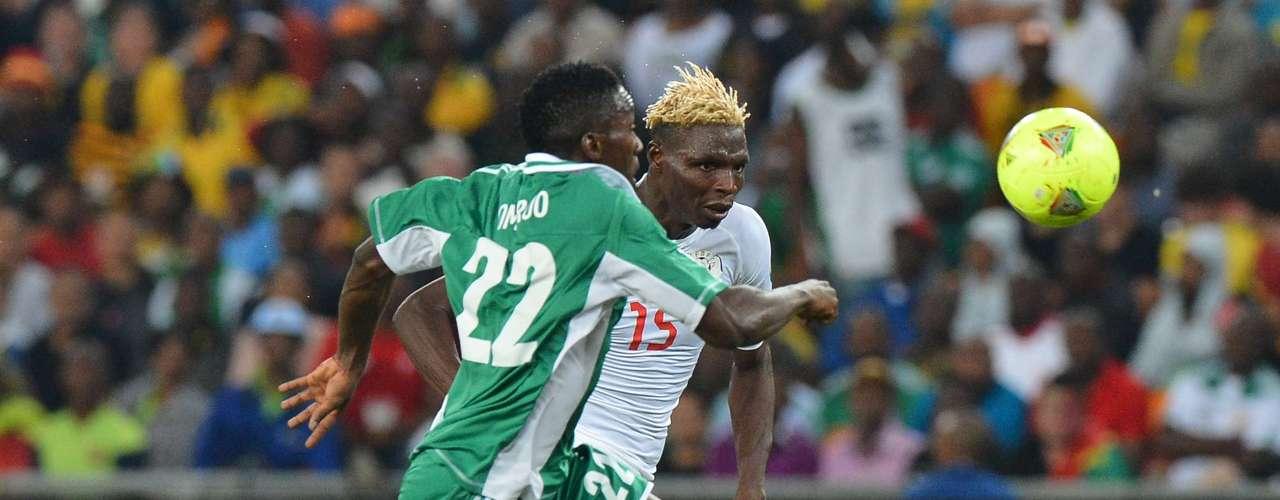Nigeria se coronó campeón de la Copa Africana de Naciones tras vencer por la mínima diferencia a Burkina Faso. Al minuto 40 Sunday Mba anotó el único gol del encuentro en el estadio Ellis Park.