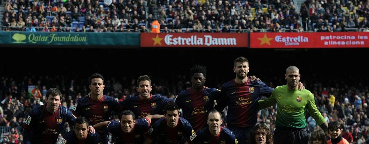 Con un Camp Nou repleto, pese a ser mediodía, Barcelona mostróp nuevamente su músculo goleador al fulminar por un contundente 6-1 al Getafe. Los blaugranas llegan embalados a su compromiso de la Champions League ante el Ac Milan.