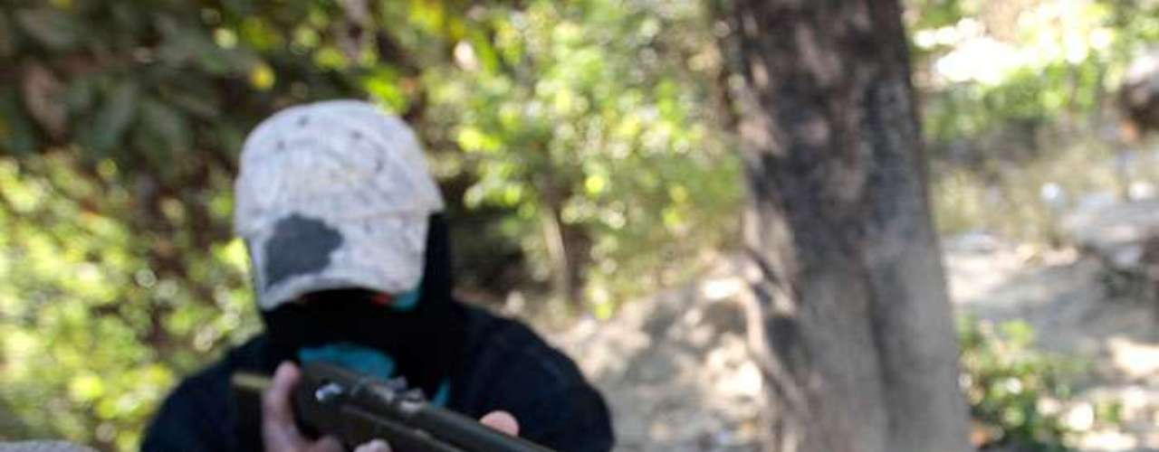 Sin embargo, el clima de violencia que sigue reinando en el territorio mexicano, ha impulsado la aparición de nuevos grupos armados de autodefensa en el estado de Guerrero.
