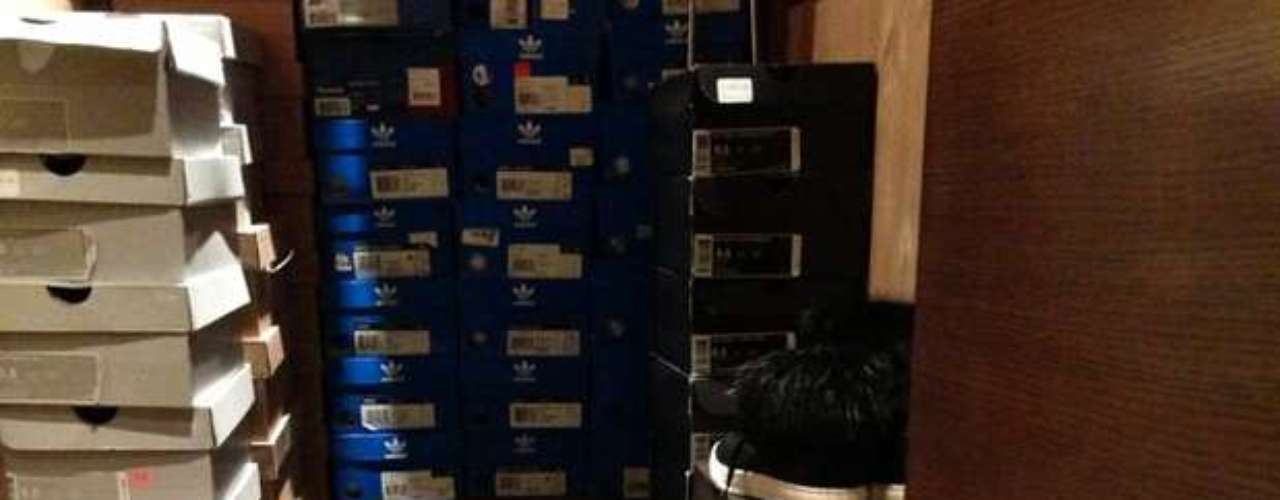 Floyd Mayweather tweeted his shoe collection. And yes, it does look an awful lot like what you would see in the warehouse of the local store.
