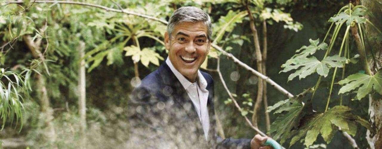 Después de su premiado papel en 'Syriana', George Clooney lanzó la iniciativa 'Oil Change' para denunciar la excesiva vinculación de Estados Unidos con el petróleo.