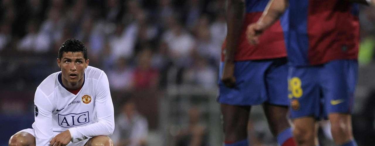Despedida: El 27 de mayo del 2009, Cristiano puso punto final a su estancia en el United nada menos que con la final de la Champions League ante el Barcelona, partido en el que el portugués no pudo brillar pero que dio pie a su millonario traspaso al Real Madrid.