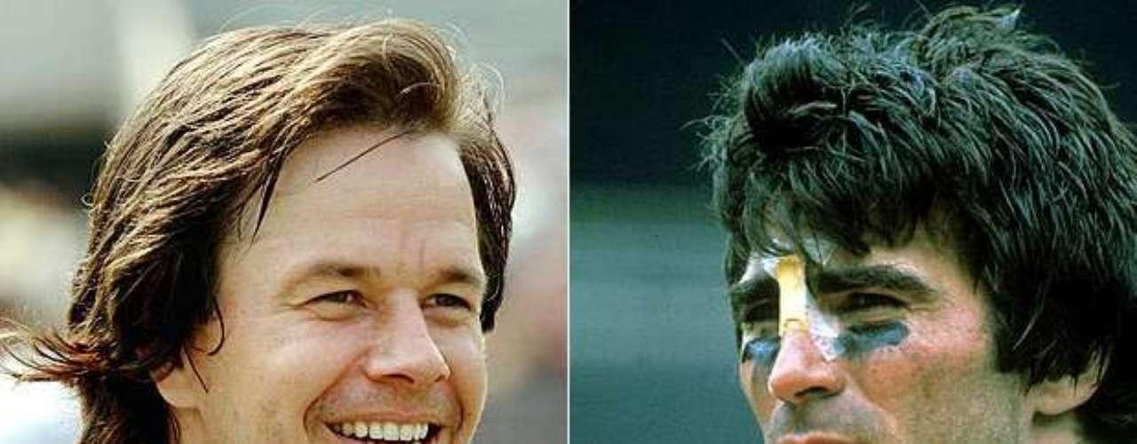 El actor Mark Wahlberg es el único que aparece dos veces en este listado. Su primer papel deportivo fue el del ex jugador de los Eagles de Filadelfia Vince Papale en Invincible (2006).