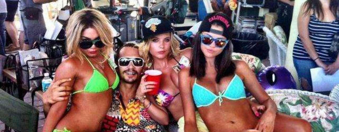 James Franco se da la gran vida al lado de Vanessa Hudgens y Selena Gomez