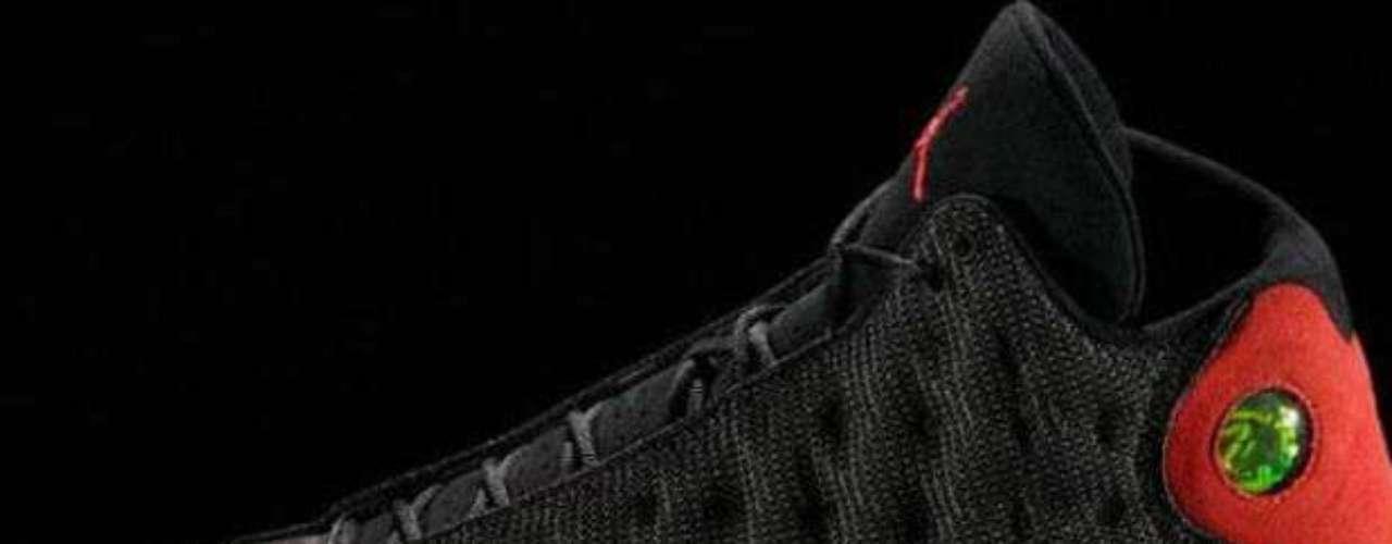 Con esta zapatilla, Jordan ganó su último título de la NBA en 1998.