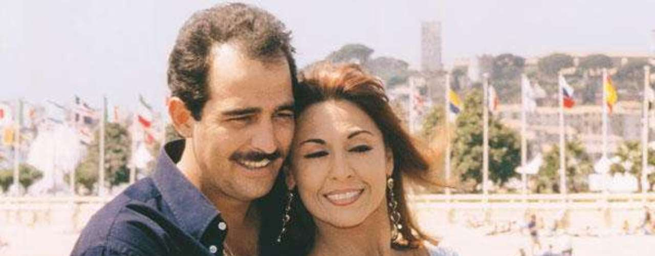 Amparo Grisales repitió desnudo en 1997 cuando realizó una íntima escena con el mexicano Omar Fierro en La sombra del deseo.