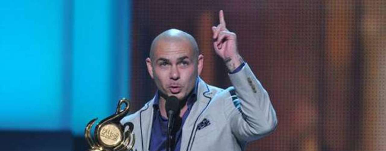Pitbull was super thankful to receive the prize for 'Urban Artist of the Year'.