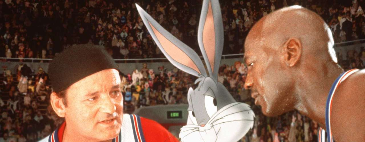 His life outside the NBA has been just as eventful, such as when he was the star of the movie Space Jam, in which, together with Bugs Bunny, he recounted a fictitious history of his first retirement from basketball.