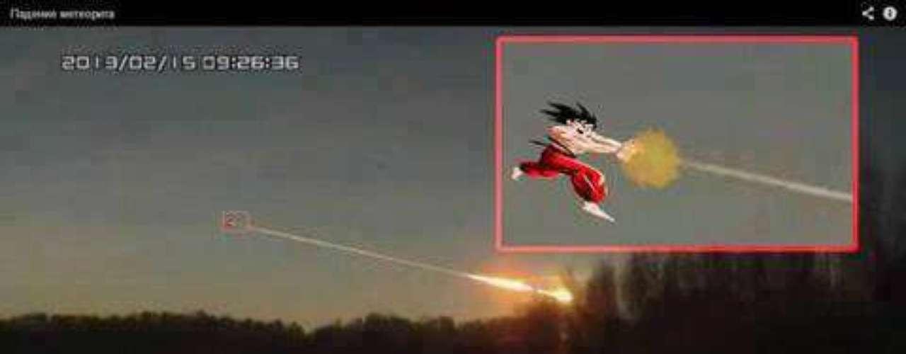 La serie ochentera Dragon Ball también fue aludida tras la caída del meteoro en Rusia.