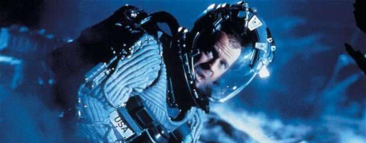 Muchos otros aseguraron que Bruce Willis ya se encontraba en el meteorito para destruirlo, tal y como sucedió en la película Armageddon, que el actor protagonizó en 1988.
