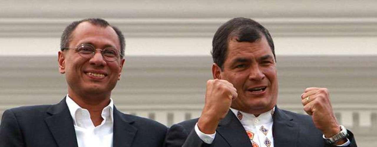 Rafael Correa nació un 6 de abril de 1963 en Guayaquil, Ecuador. Es presidente de Ecuador desde 2006 cuando ganó sus primeras elecciones y este domingo consiguió lareelección para su segundo mandato.