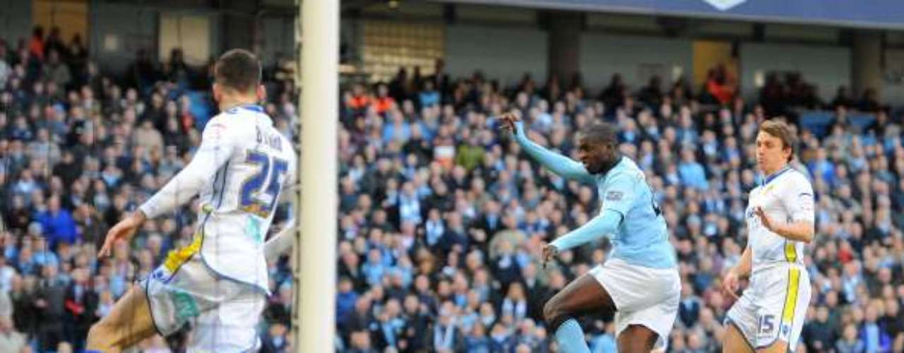 Manchester City ripped LeedsUnited4-0 at Etihad Stadium and entered the final eight of the tournament.