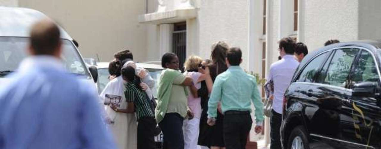 Amigos y familiares de Reeva se preparan para el último adiós.