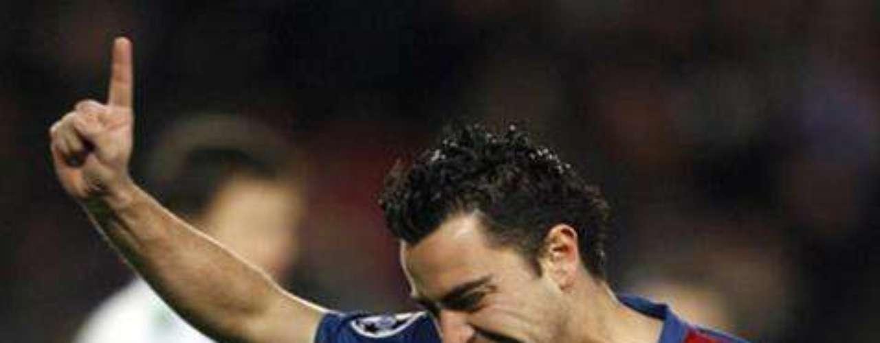 XAVI HERNÁNDEZ. Toda España se puso a temblar cuando en diciembre de 2005, Xavi Hernández se rompió el ligamento cruzado anterior de la rodilla izquierda, por lo que se temía que el fino volante se perdiera el Mundial de Alemania 2006, aunque al final, debido a su calidad, fue incluido en la lista definitiva.