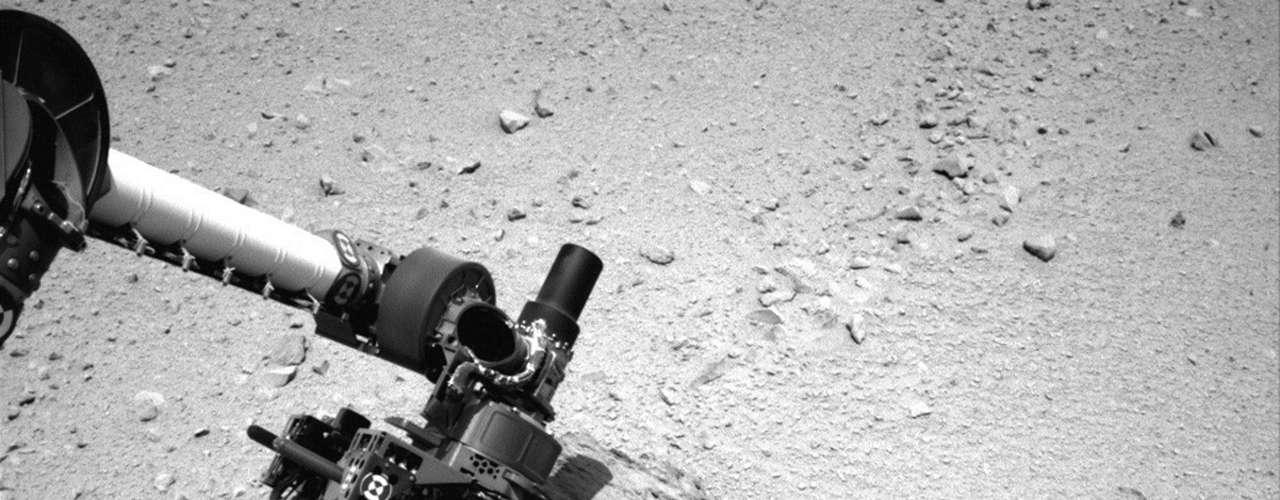El hecho que la roca perforada sea gris en el fondo es señal de que probablemente no experimentó ciertos cambios químicos por medio de la exposición de la superficie, de acuerdo con los científicos, y es un buen inicio en la misión de Curiosity para determinar si el ambiente fue en algún momento favorable para el desarrollo de microbios.