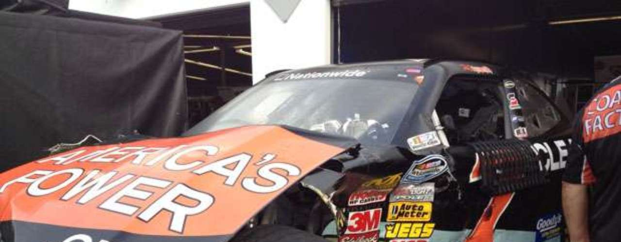 The entire front bumper of this car was a casualty of the crash-marred race.