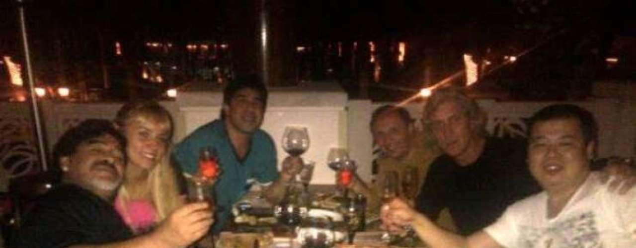 Oliva ha publicado varias fotos en Facebook, donde Diego se encuentra junto a ella con una cara muy feliz.
