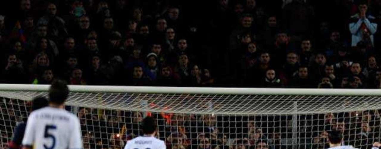 CR7 lanza el penalti que adelanta al Real Madrid en el Camp Nou