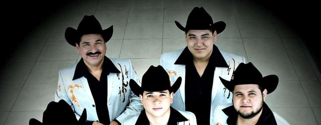 Las agrupaciones Banda Tierra Sagrada y Colmillo Norteño se mostraron sorprendidas por el éxito que ha cosechado su video \
