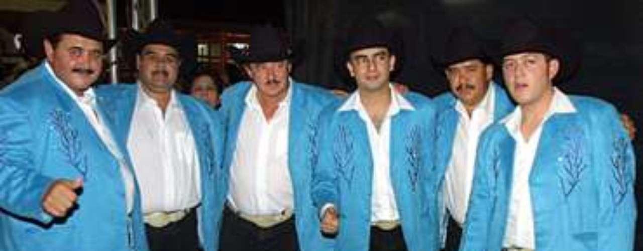 Los Huracanes del Norte se presentaron con éxito en Comalapa, en el marco de la feria tradicional que se hace en honor al Santo Niño de Atocha.