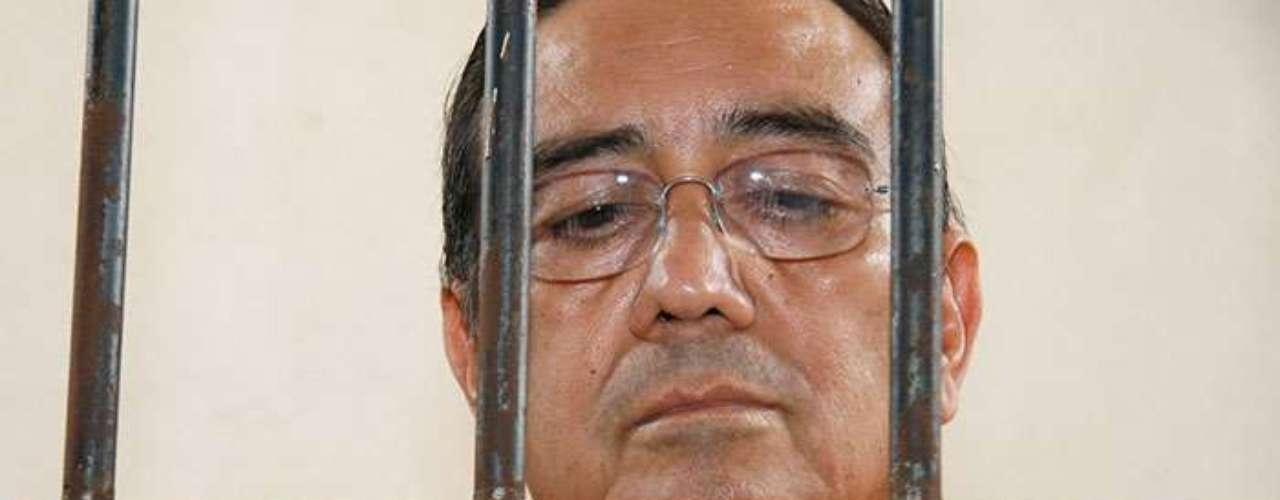 El ex gobernador de Chiapas Pablo Salazar Mendiguchía fue trasladado a Tuxtla Gutiérrez, Chiapas en 2011 luego de ser detenido en el Aeropuerto Internacional de Cancún en Quinta Roo. Ingresó al centro penitenciario 'El Amate' acusado de los delitos de peculado por 104 millones de pesos, ejercicio indebido del servicio público, abuso de funciones públicas, abuso de autoridad y asociación delictuosa.