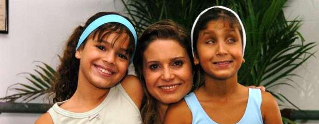 Bruna Marquezine (Flor), Paula Burlamaqui (Islene) y Duda,en la novela 'América', de 2005.