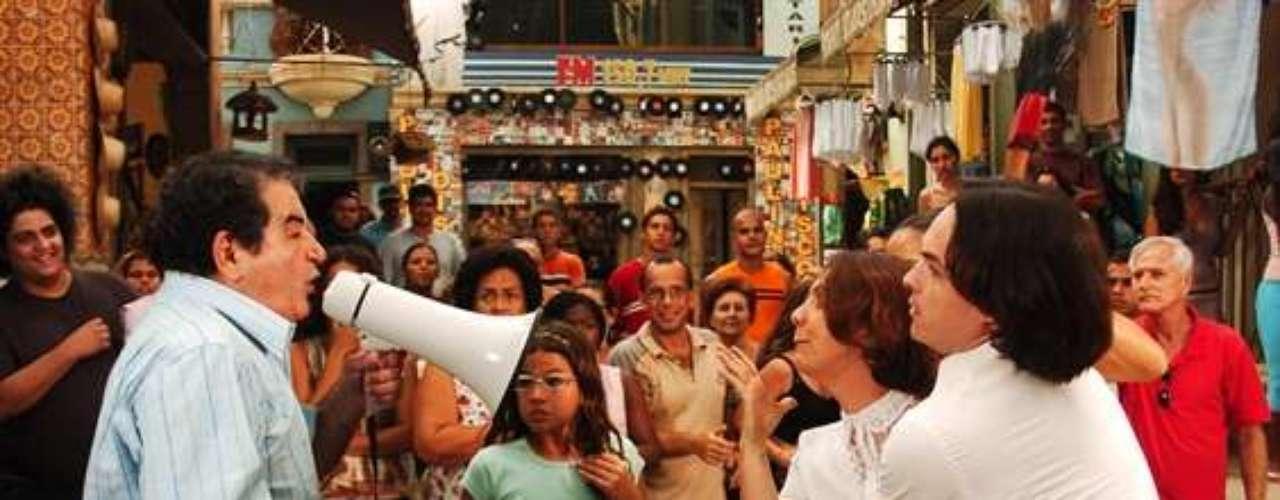 En 2006, la actriz hizo parte del elenco de la novela Cobras e lagartos, de Globo.