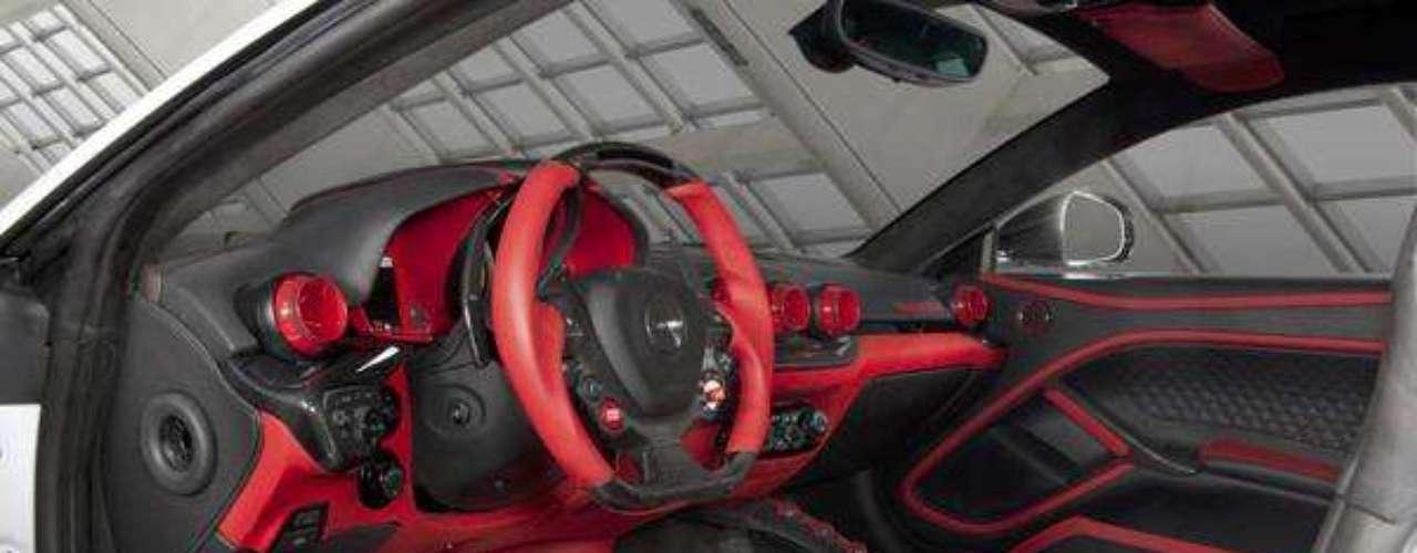Fotos Ferrari F12 Berlinetta Stallone Mansory