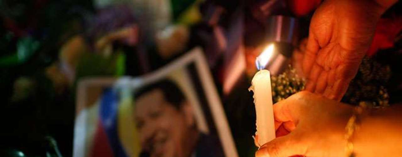 Chavismo is not as united as when it operated lived in the shadow of its omnipresent and omnipotent leader. But without Chavez, contradictions and frictions will crop as he held the off over his fourteen year reign. Conflicts will now emerge between civilians and militarists; between revolutionaries and opportunists, and the believers and the corrupt.