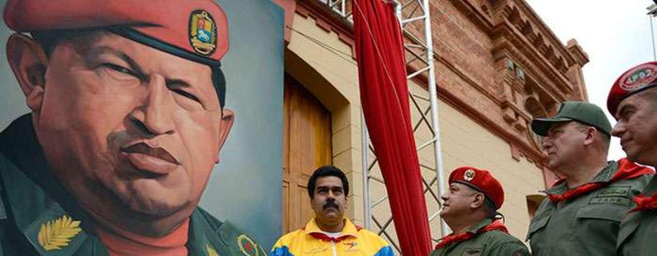 En octubre del 2012, tras ganar una nueva reelección, Chávez puso a Maduro en la cúpula al nombrarlo vicepresidente. \