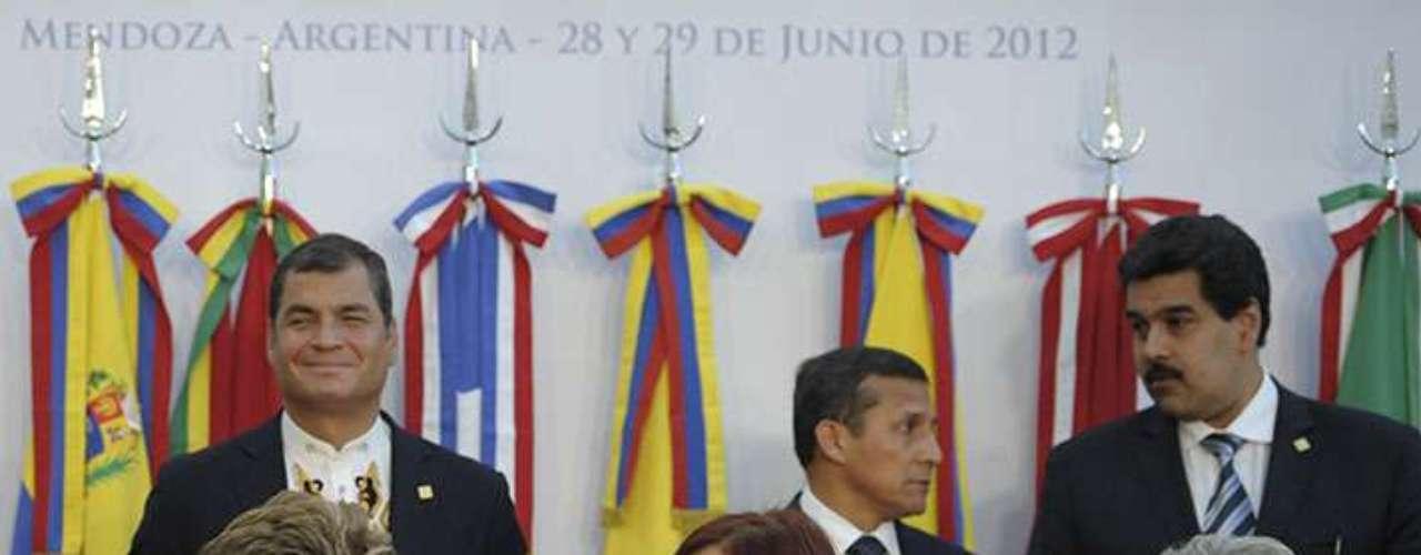 """""""Es un elemento nuevo que debemos tener en cuenta"""", manifestó Conde, que a título personal mostró su esperanza de que la votación sea """"una confirmación del proceso bolivariano"""" y no haya """"cambios dramáticos"""", como """"una deserción de Venezuela""""."""