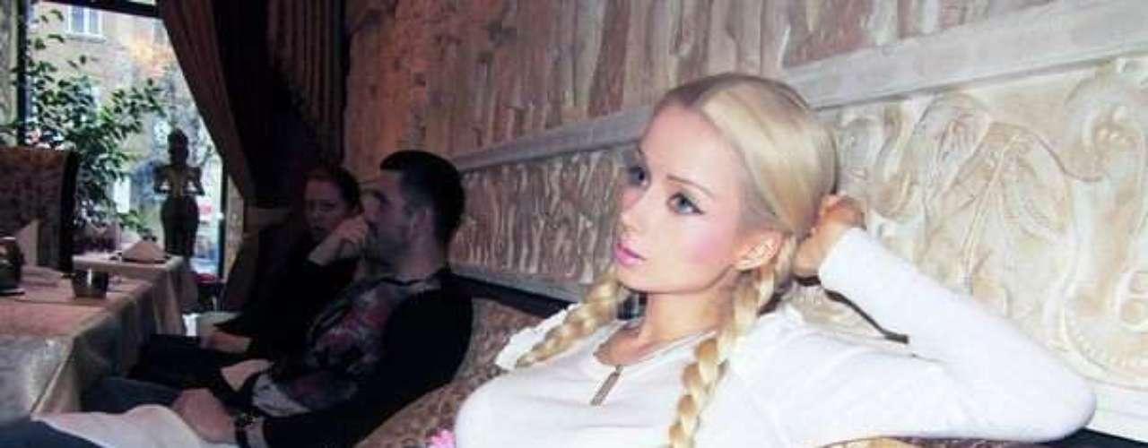 Valeria es hija de un ex DJ y obrero de la construcción y de una empleada del ejército, y creció en Tiráspol, en Rusia.